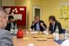 Auf Stadtteilbesuch in Horn-Lehe: Bürgermeister Carsten Sieling zu Gast in der Stiftungsresidenz Riensberg und der Oberschule Ronzelenstrasse